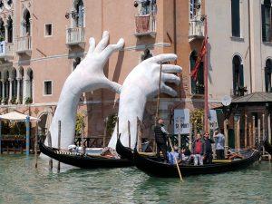 बिनाले : (द्वैवार्षिक प्रदर्शन) (Biennale)