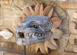 क्वेत्झलकोएत्ल (Quetzalcoatl)