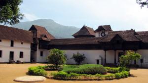 पद्मनाभपूरम राजवाडा  (Padmanabhapuram Palace)