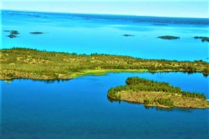 ग्रेट स्लेव्ह सरोवर (Great Slave Lake)