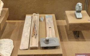 हस्तलिखितांची साधने (Tools Of Manuscripts)