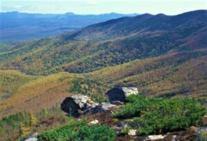 स्टॅनोव्हॉय पर्वत (Stanovoy Mountain)