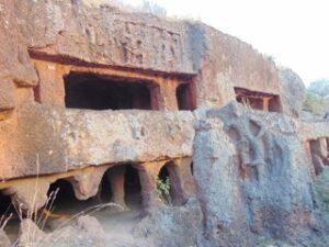 खरोसा लेणी (Kharosa Rock-cut Caves)