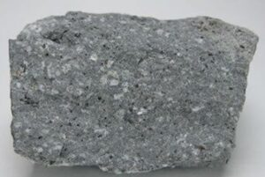 Read more about the article अँडेसाइट (Andesite)