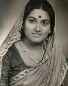 Read more about the article गुलाबबाई संगमनेरकर (Gulabbai Sangamnerkar)
