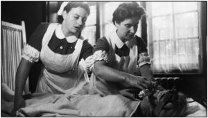 विद्युताघात उपचार पद्धती व परिचर्या (Electroconvulsive Therapy and Nursing)