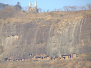 शिवनेरी लेणी-समूह, जुन्नर(Rock-cut Caves on Shivneri Hill, Junnar)